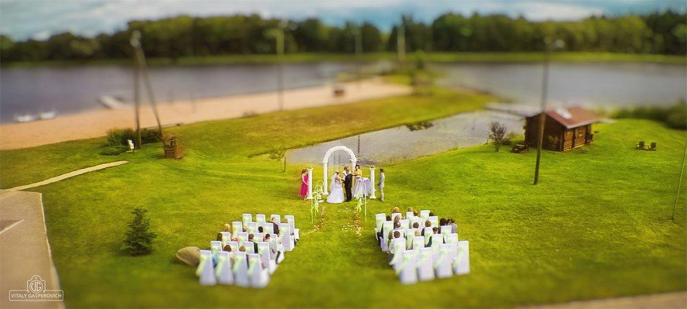 Оригинальное поздравление на свадьбе от коллег